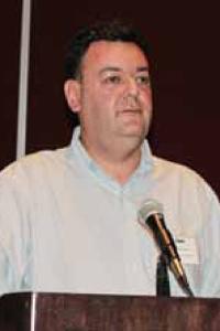 Gonzalo Acuña Vicepresidente de la CCA dio una interesante exposición sobre productos innovadores en aerosol