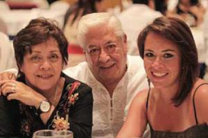 Lourdes Zara, Miguel Durán (Enpack de México) y Regina Castellanos
