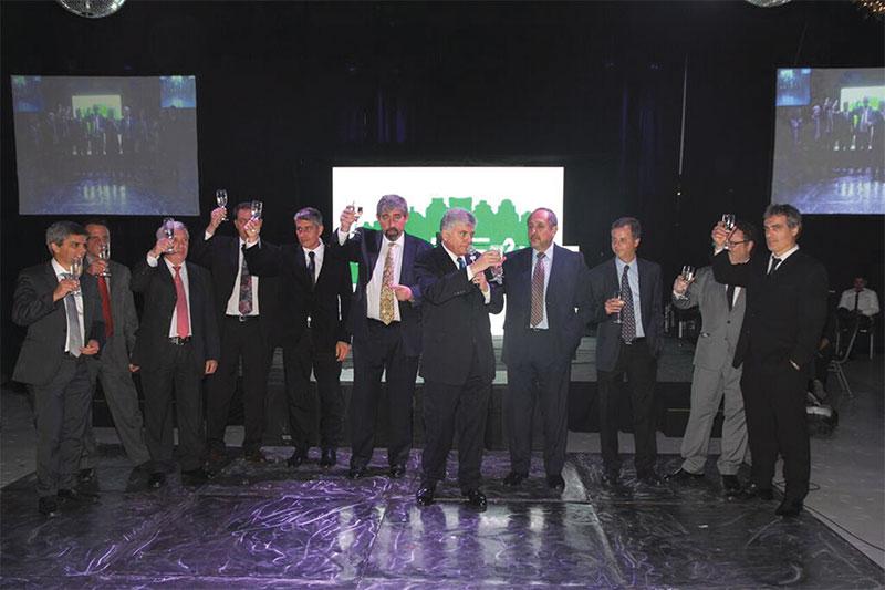 Los directivos de CADEA levantaron su copa para brindar por un año con cifras más altas.