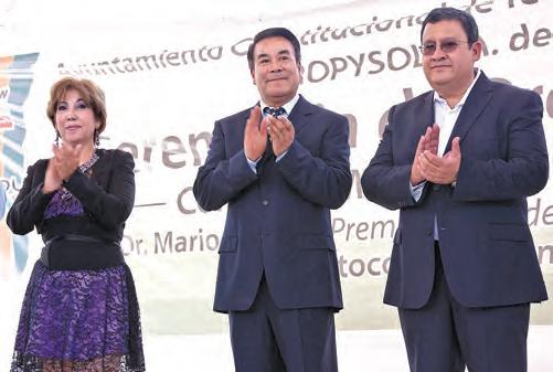 El Ing. Juan Nolasco y el presidente municipal, Juan Salvador Montoya Moya.